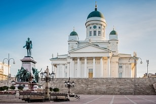Explore Helsinki walking tour